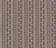 Naadloos schets vectorpatroon Verticale takjeslijnen en zigzag met cirkels op achtergrond Hand getrokken Afrikaanse stijltextuur Stock Afbeelding