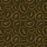 Naadloos vectorpatroon, donkere bruine achtergrond met de bonen van de close-upkoffie Royalty-vrije Stock Foto