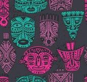 Naadloos vectorpatroon met hand getrokken buitensporige maskers in Afrikaans s vector illustratie