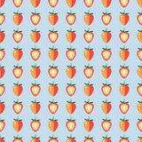 Naadloos vruchten vectorpatroon, pastelkleur symmetrische achtergrond met aardbeien, geheel en half, op de blauwe achtergrond Stock Fotografie