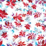 Naadloos waterverfpatroon van rode bloemen en blauwe bladeren op een witte achtergrond stock foto's