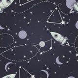 Naadloze achtergrond met leuke krabbelconstellaties, planeten, raketten en sterren stock illustratie