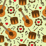 Naadloze achtergrond met muzikale instrumenten Royalty-vrije Stock Foto's