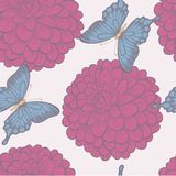 Naadloze achtergrond met vlinders en bloemendahlia's in uitstekende pastelkleuren. Stock Foto's