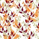 Naadloze de herfst vector bloemenachtergrond Kleurenbladeren op wit Royalty-vrije Illustratie