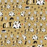 Naadloze gouden achtergrond met kat met zwarte vlekken en grote ogen stock illustratie