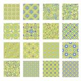 Naadloze het betegelen groene, turkooise, blauwe en gele textuurinzameling met ornamenten, bloemen, harten, vierkanten en punten  royalty-vrije illustratie
