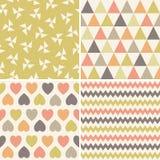 Naadloze het koraal bruine geel van hipster geometrische patronen vector illustratie