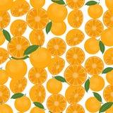 Naadloze kleurrijke die achtergrond van sinaasappelen in vlak ontwerp wordt gemaakt Stock Fotografie