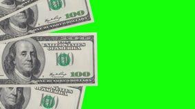 Naadloze omloop van bankbiljetten op een achtergrond van chromasleutel stock footage