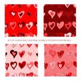 Naadloze patronen met rode en roze harten stock illustratie