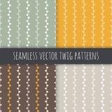 Naadloze seizoengebonden vector geplaatste patronen Witte takjes op groene gele bruine grijze achtergrond Royalty-vrije Stock Afbeeldingen