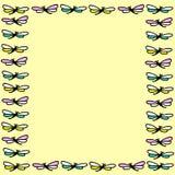Naadloze textuur met mooie vliegende libel op gele backgrou Stock Afbeelding