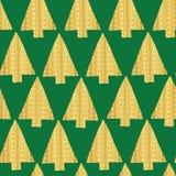Naadloze vector het patroonachtergrond van de kerstboom Gouden folie Glanzende gouden geweven driehoekskerstbomen op groene achte stock illustratie
