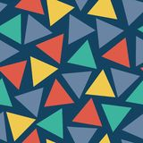 Naadloze vector willekeurig geplaatste patroondriehoeken stock illustratie