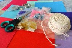 Naaiende en met de hand gemaakte materialen Stock Foto