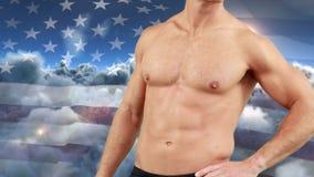 Naakte mens met atletisch lichaam en de Amerikaanse vlag stock video