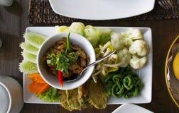 Naam-Tugendbold Goong Siab Paprikapastenbad mit getrockneter Garnele und veg stockbilder