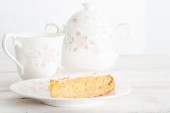 Naar huis gebakken honingscake Stock Foto