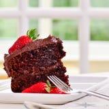 Naar huis gemaakte chocoladecake royalty-vrije stock afbeeldingen