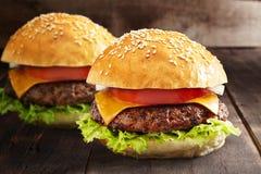 Naar huis gemaakte hamburger Stock Afbeelding