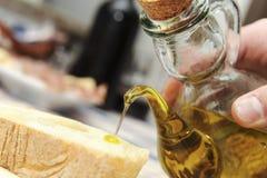 Naar huis gemaakte Italiaanse keuken die in een landbouwbedrijfvakantie wordt gediend Stock Foto's