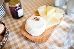 Naar huis gemaakte kaas Royalty-vrije Stock Foto's