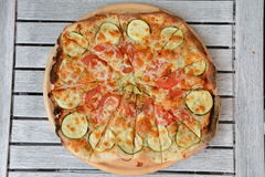 Naar huis gemaakte pizza Royalty-vrije Stock Foto
