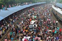 Naar huis verbindende mensen vorige dag van eid-ul-Adha Stock Afbeelding