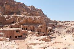 Nabatean Höhlen an PETRA Stockbilder