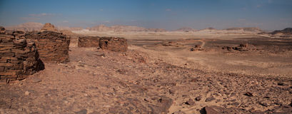 Nabateangraf die die aan circa 4000BC dateren door de laatste sporen van o wordt aangestoken Stock Afbeelding