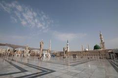 Nabawi moskécompound i Medina, Saudi Arabia. Royaltyfria Bilder