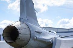 Nabrander van een moderne straalvechter royalty-vrije stock afbeelding