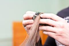 nabranie fryzjer grzebieniowy włosiany Zdjęcie Stock