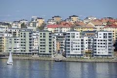 Nabrzeże budynki mieszkaniowi obraz stock