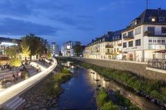 Nabrzeże deptak w Siegen, Niemcy zdjęcie stock