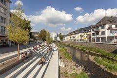 Nabrzeże deptak w Siegen, Niemcy obrazy stock