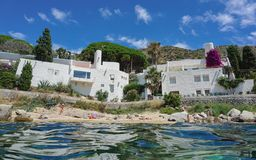 Nabrzeże mieści morze śródziemnomorskie brzeg Hiszpania Fotografia Royalty Free