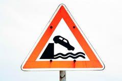 nabrzeże znak niebezpieczeństwa Zdjęcia Stock