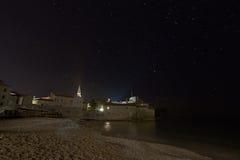 Nabrzeżna forteczna gwiaździsta noc obraz royalty free