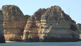 Nabrzeżnego oceanu rockowa formacja zbiory