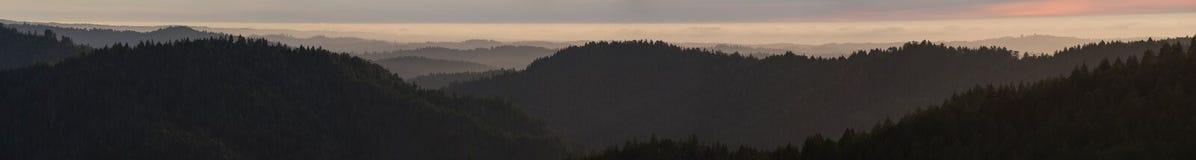 Nabrzeżny pasmo Kalifornia, Mendocino okręg administracyjny zdjęcie royalty free