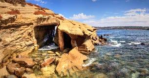 Nabrzeżny zawala się przy losu angeles Jolla zatoczką zdjęcia stock