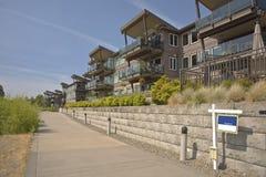 Nabrzeży mieszkaniowi kondominia Vancouver WA Fotografia Royalty Free