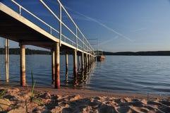 Nabrzeże przy jeziorem Zdjęcia Royalty Free