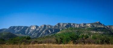 Nabrzeżni pogórza i góry Hiszpania Zdjęcia Royalty Free