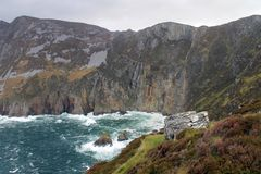Nabrzeżny scenerii Slieve liga w Irlandia Zdjęcia Stock