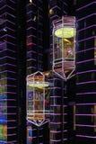 Nabywcy iść puszek winda w Moskwa centrum handlowym Zdjęcie Stock
