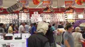 Nabywcy w hypermarket Carrefour Obraz Stock