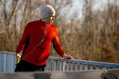 Nach einem Lack-Läufer heraus ausdehnen Stockfoto